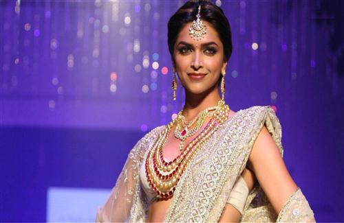 Deepika Padukone fitness workout diet plan in Hindi